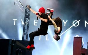 twenty one pilots 0